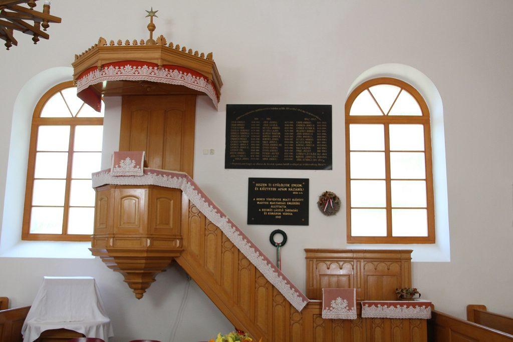 A Beneš-dekrétumok által meghurcolt martosi magyarság emléktáblája