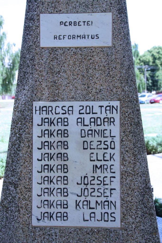 A 2. világháború perbetei református áldozatainak emlékműve