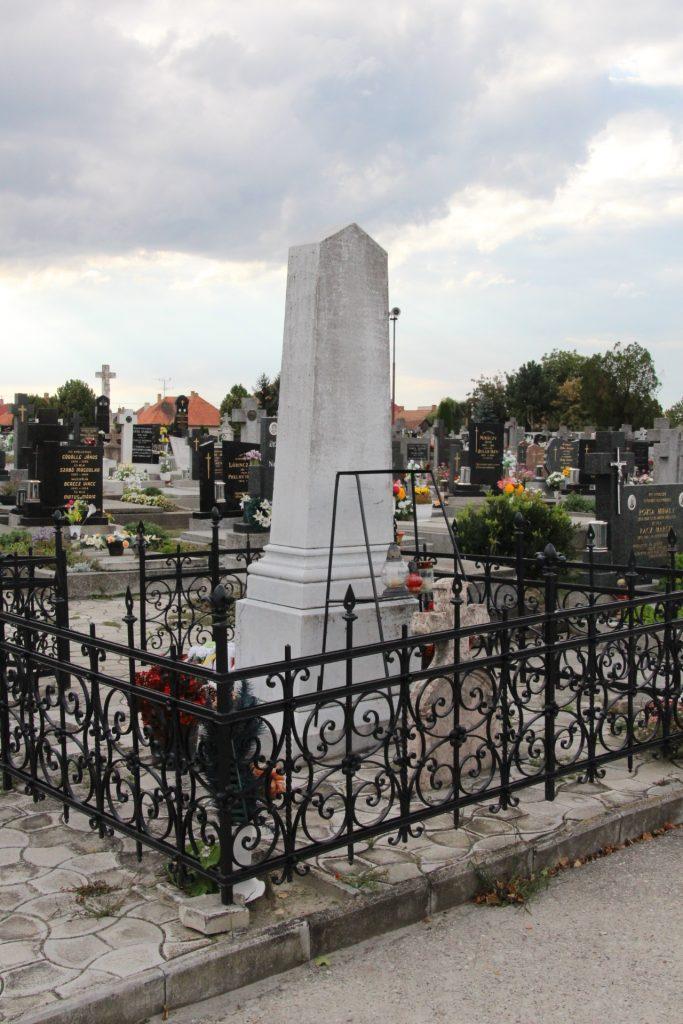 Ferenczy Lajos emlékére állíttatott kereszt