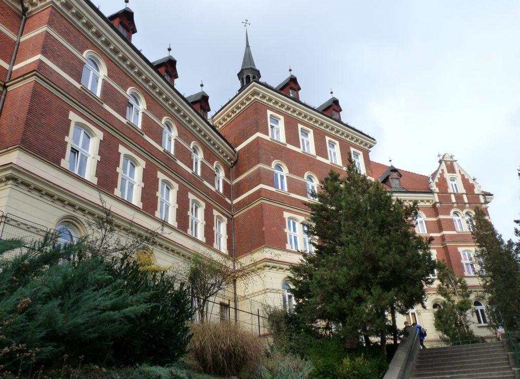 Mária árva-menedékház
