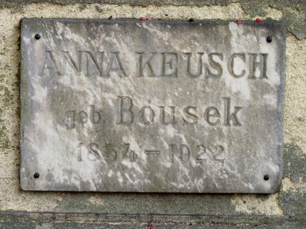 Anton Keusch síremléke