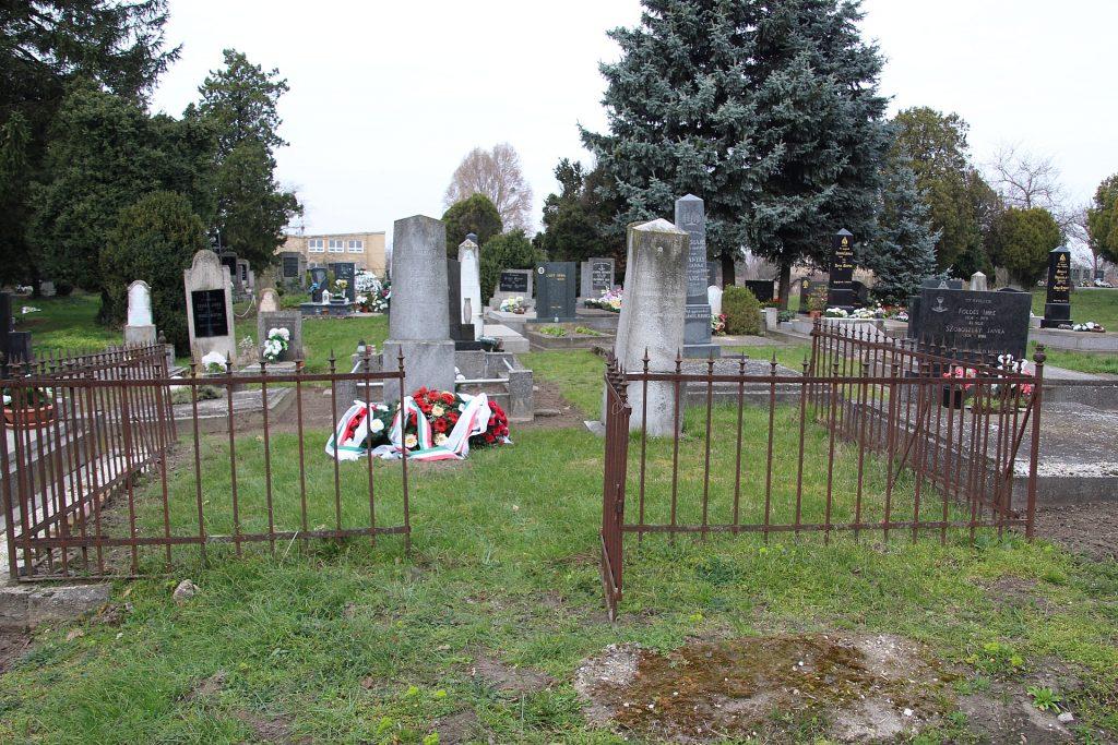 Baranyay József honvéd őrnagy síremléke