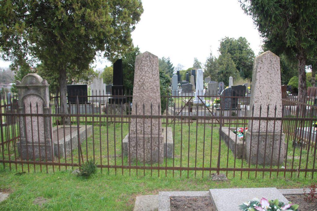 Alsóborsai Csorba József honvéd tizedes síremléke