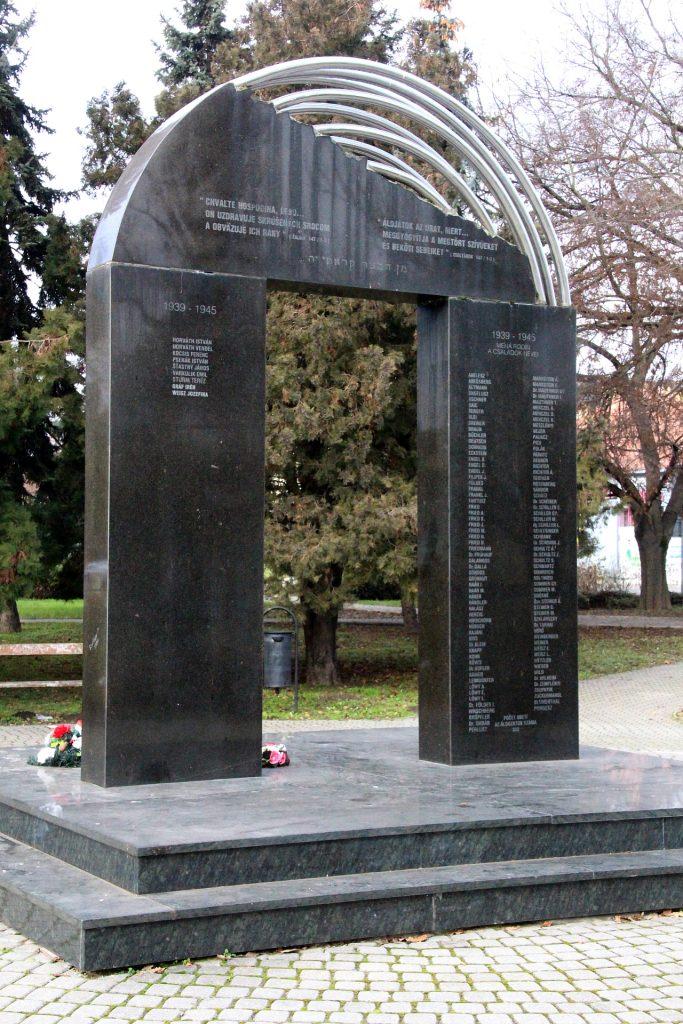 Az első és 2. világháború és a holokauszt emlékműve