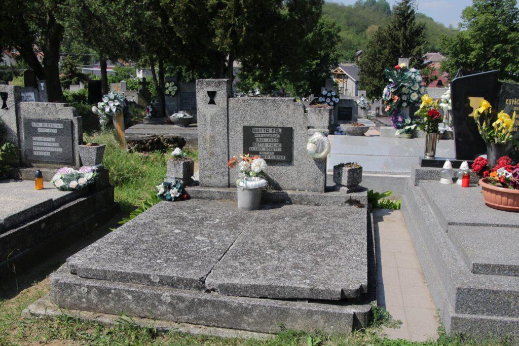 Batta Pál református lelkész sírja