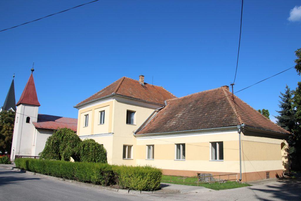 A lakszakállasi kastély