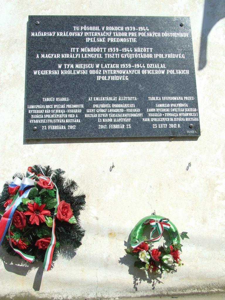 A Magyar Királyi Lengyel Tiszti Gyűjtőtábor emléktáblája