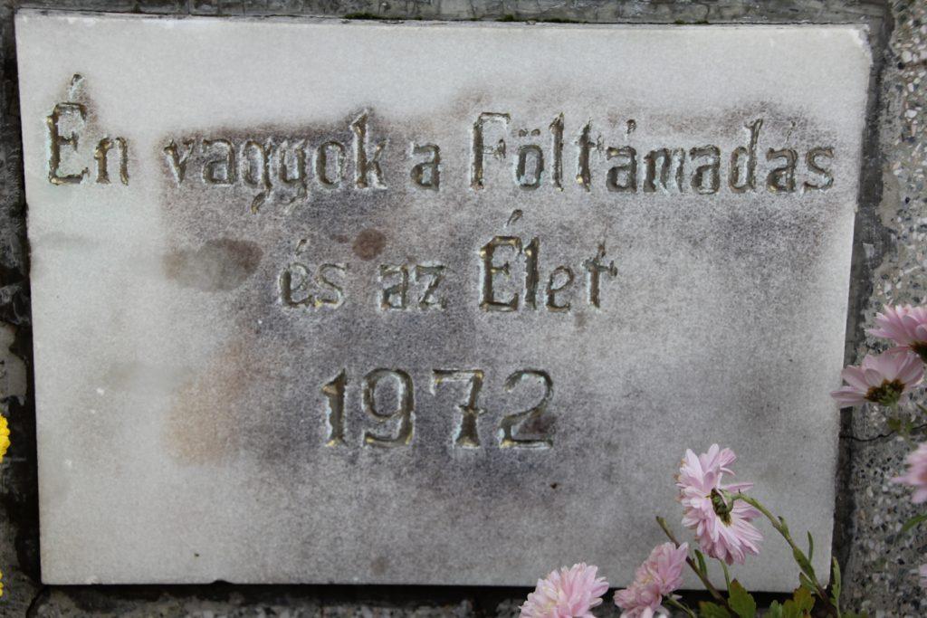 Házaskai temető központi keresztje