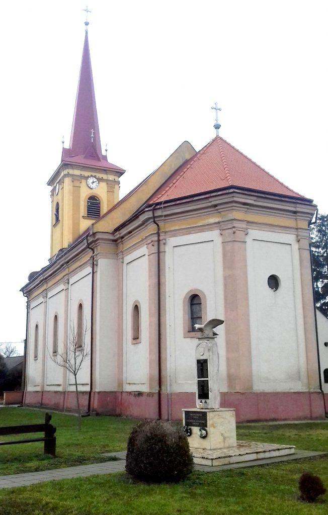 kohidgyarmat-szent-moric-katolikus-templom-hatulnezet