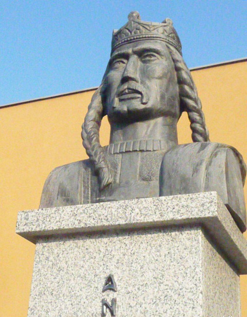 nagykapos-2-andras-szobor (4)