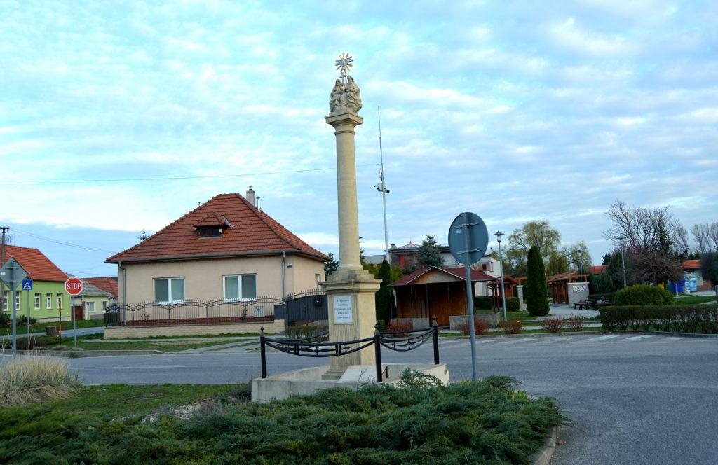 taksony-szentharomsag-szobor (2)
