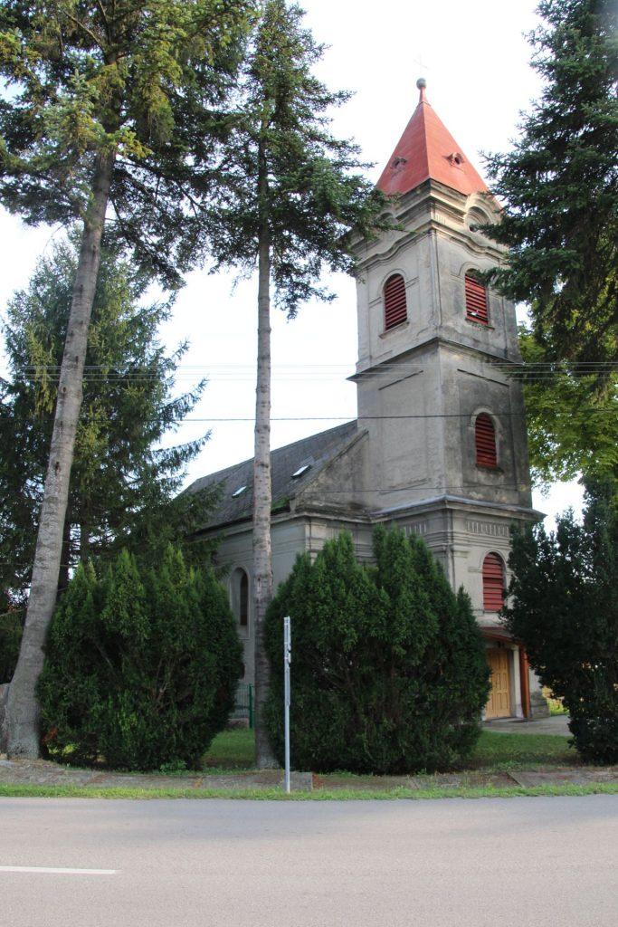 komaromfuss-katolikus-templom (2)