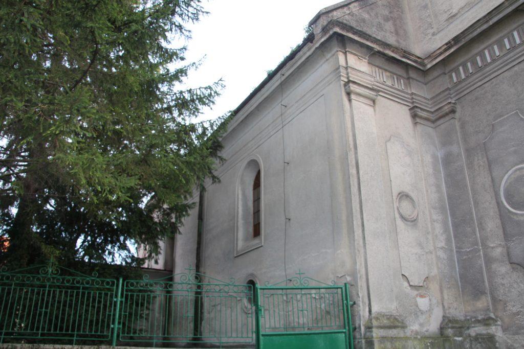 komaromfuss-katolikus-templom (4)