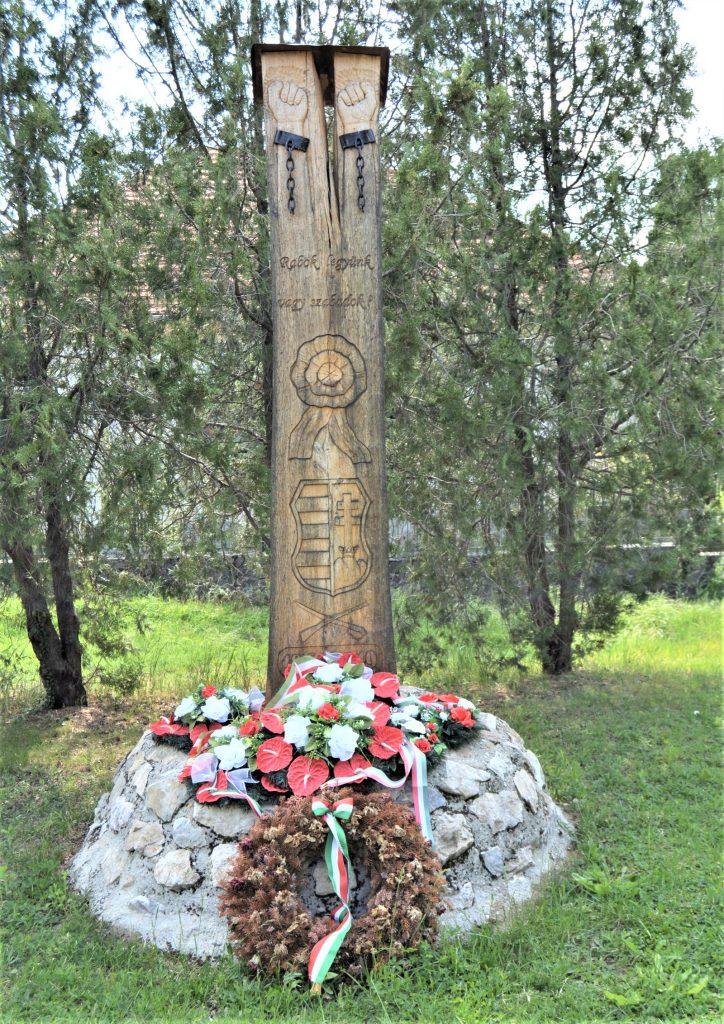 nagyceteny-1848-as-kopjafa (2)