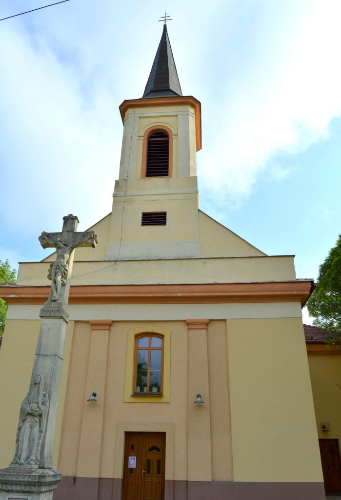 vagkiralyfa-katolikus-templom (3)
