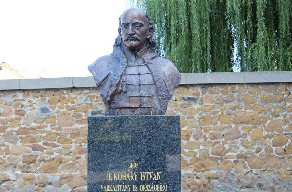 fulek-2-kohary-istvan-szobra (6)