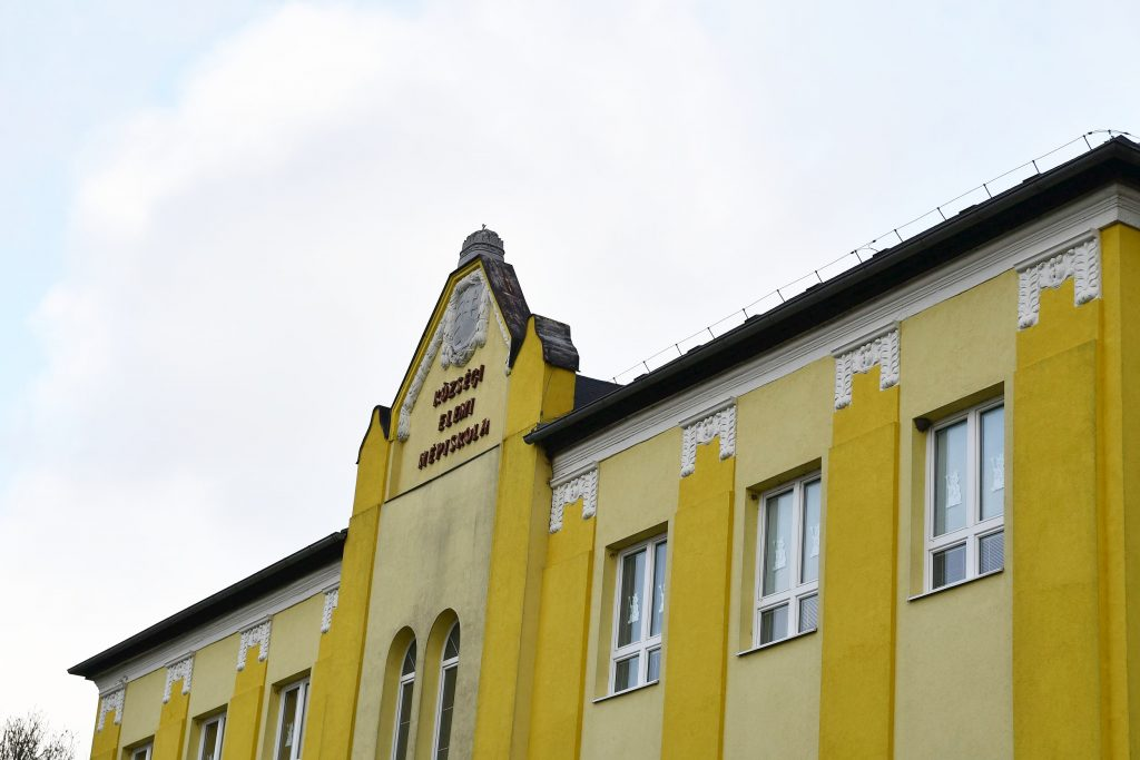 Muzsla_4000_iskola (2)