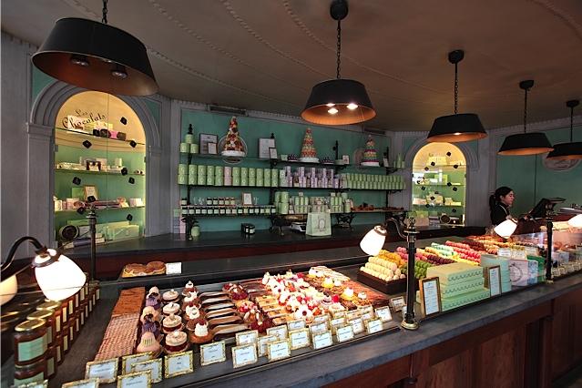 Boutique-Laduree-Paris