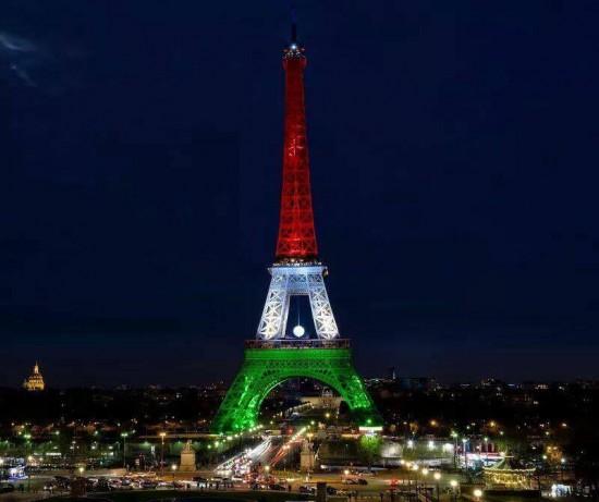 Magyar nemzeti színekben pompázik az Eiffel-torony