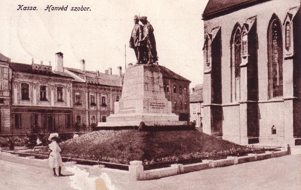 Socha honvéda v Košiciach