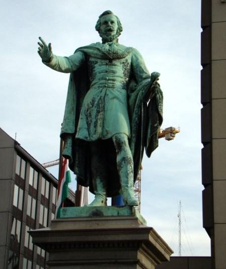 Socha Józsefa Eötvösa v Budapešti