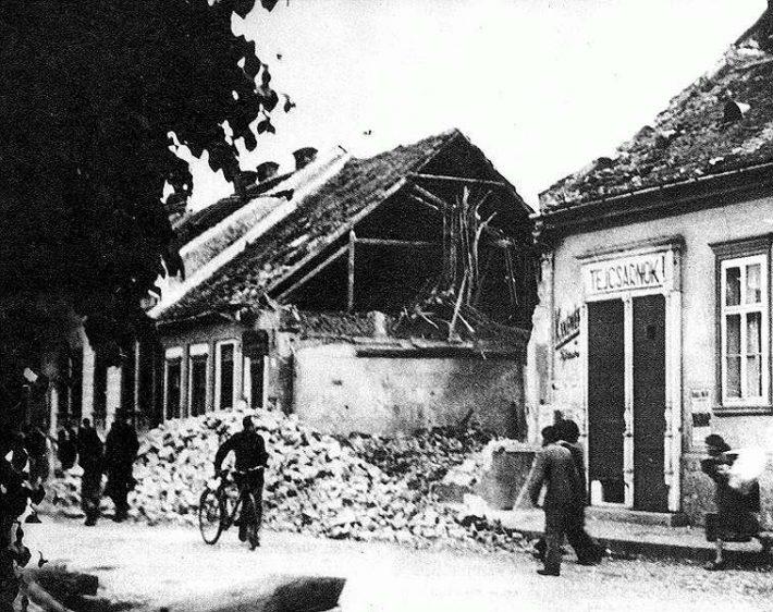 A-bombázás-utáni-Kassa-2
