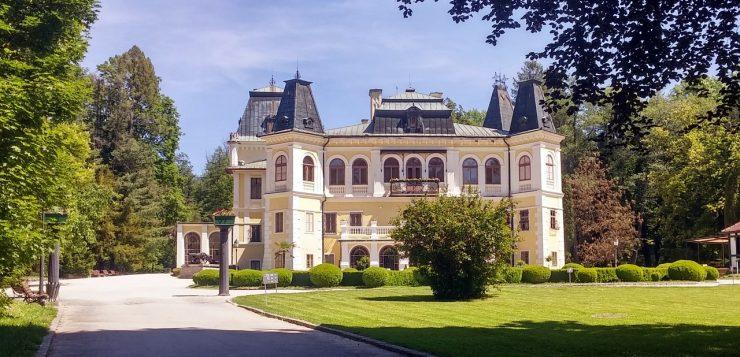 Négy hónap után újra látogatható a betléri Andrássy-kastély és a krasznahorkaváraljai mauzóleum