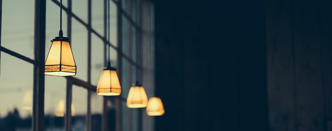 12 einfache Tipps für eine niedrige Stromrechnung & einen nachhaltigen Haushalt!
