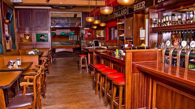 Pubs Gehren Einfach Zum Studentenleben Wie Ketchup Zu Den Pommes Im Laurel Leaf Kannst Du Fussballspiele Verfolgen Fingerfood Schlemmen Oder Dir Einen