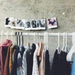 Minimalismus im Kleiderschrank: Wir gehen dem Überfluss an den Kragen!
