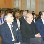 Koloni 56-os megemlékezés – ünneplõ közönség, elõtérben a vendégek (foto: Borsai Csaba)