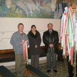 Feltámadási menet Zoboralján – 2008 – A szalagkoszorúba öltöztetett Árpádkori szárnyaskereszt (foto: Čulák Éva)