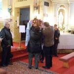 Feltámadási menet Zoboralján – 2008 – A szalagok feltűzése (foto: Szalay Gábor)