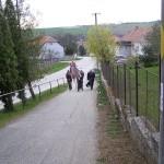 Feltámadási menet Zoboralján – 2008 – Érkezés a templomba (foto: Szalay Gábor)
