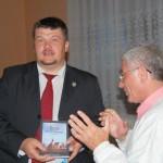 Rendhagyó borkóstoló Kolonban – 2010. máj. 24. – Balkó Róbert Kolon polgármestere és Kiss Károly – Visegrádi Szövetség (foto: Balkó Gábor)