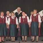 Felcsendül a dal Zoboralján – Zsére, 2010. máj. 23. – Vilonyai Népdalkör (foto: Varga Szilvia)