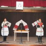 Felcsendül a dal Zoboralján – Zsére, 2010. máj. 23. – Balról: Maga Marianna és Nagy Denisza (foto: Varga Szilvia)