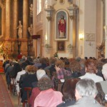 Feltámadási Menet – 2010 – bevonulás/iskola – Szent László templom (foto: Maga Ferenc)