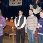 Újévi Táncház Nagykéren – kalácssütés – Kanyicska Ilona főszervező és a zsüri (foto: Balkó Gábor)