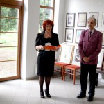 Dr. Simek Viktor képkiállítása és könyvbemutatója – Vinkovič Zsuzsanna polgármester és Simek Viktor (foto: Balkó Gábor)