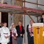 Feltámadási menet 2011 – Nyitra – Varga Márk a könyörgéseket olvassa (foto: Maga Ferenc)