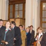 Feltámadási menet 2011 – Nyitra – szentmise – Jobbról második Maga Judit a Gímesi Alalpiskola magyar részlegének igazgatóhelyettese (foto: Maga Ferenc)