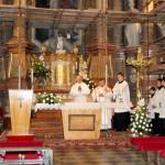 Feltámadási menet 2011 – Nyitra – szentmise – Középen balról: Károly atya-Pati Ferenc, Ďurčo Zoltán püspöki helynök, Andrusko Gyula papnövendék  (foto: Maga Ferenc)