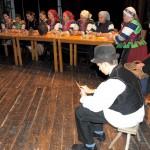 Karácsony Zoboralján – Zsérei Zsibrice Hagyományőrző Csoport<br>karácsony, Zoboralja, Vicsápapáti, hagyományőrzők (foto: Varga Szilvia)
