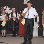 Felcsendül a dal Zoboralján – Zsére – Zsebi József polgármester és a csoportvezetők<br>folklór, hagyományőrzők, Zoboralja, Zsére (foto: Varga Szilvia)