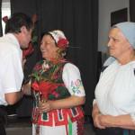 Felcsendül a dal Zoboralján – Zsére – Zsebi József polgármester köszönti a csoportvezetőket<br>folklór, hagyományőrzők, Zoboralja, Zsére (foto: Varga Szilvia)
