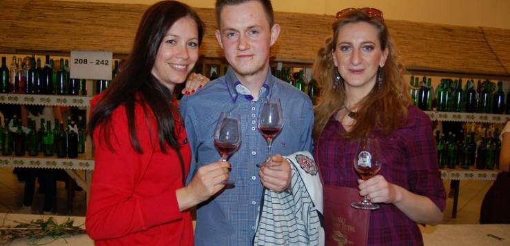 1. degustácia vína v Nitrianskych Hrnčiarovciach