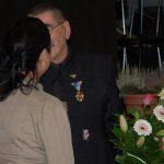 V.Nagy János kiállításának megnyitója – Bencz Gita köszöni V.Nagy Jánosnak (foto: Balkó Gábor)