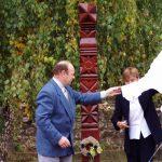 Kopjafaavatás az Aradi vértanúk emlékére – Jamrich Margit polgármester, Bencz Zoltán alpolgármester (foto: Balkó György)