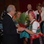 Karácsonyi hangverseny és könyvbemutató – Zsére – 2016. dec. 11. – Gratuláció a Zoboralja Női Karnak (foto: Balkó Gábor)